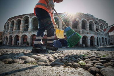 * Verona-cleaning-outside.jpg
